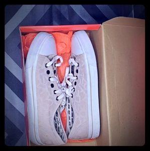 DKNY - Tan-Sneakers- sz9